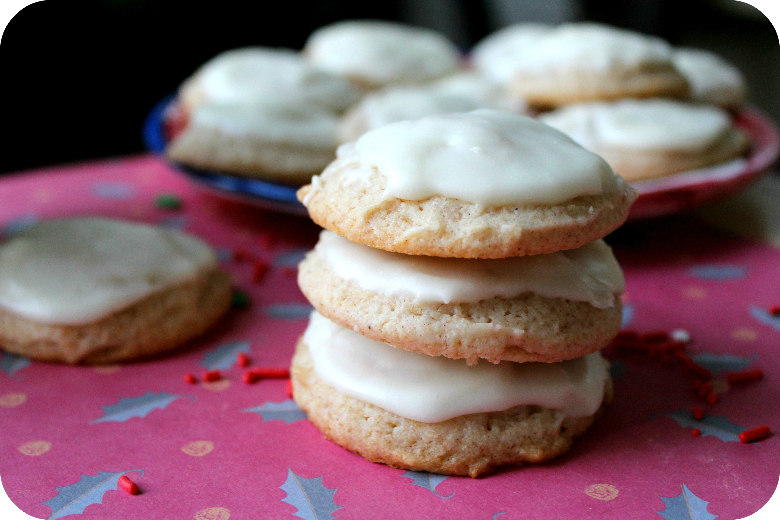 Eggnog Cookies with Eggnog Buttercream Frosting | Rose & Lea