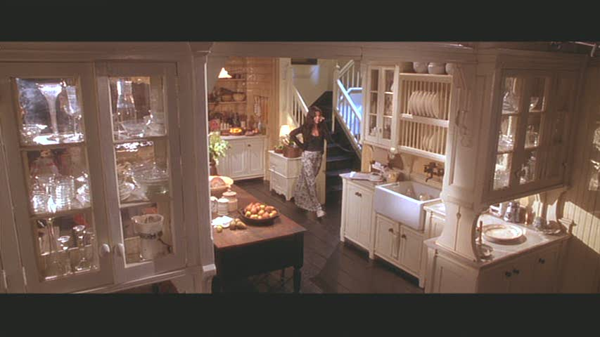 3 Reasons Why Practical Magic Is The Best Fall Movie Ever